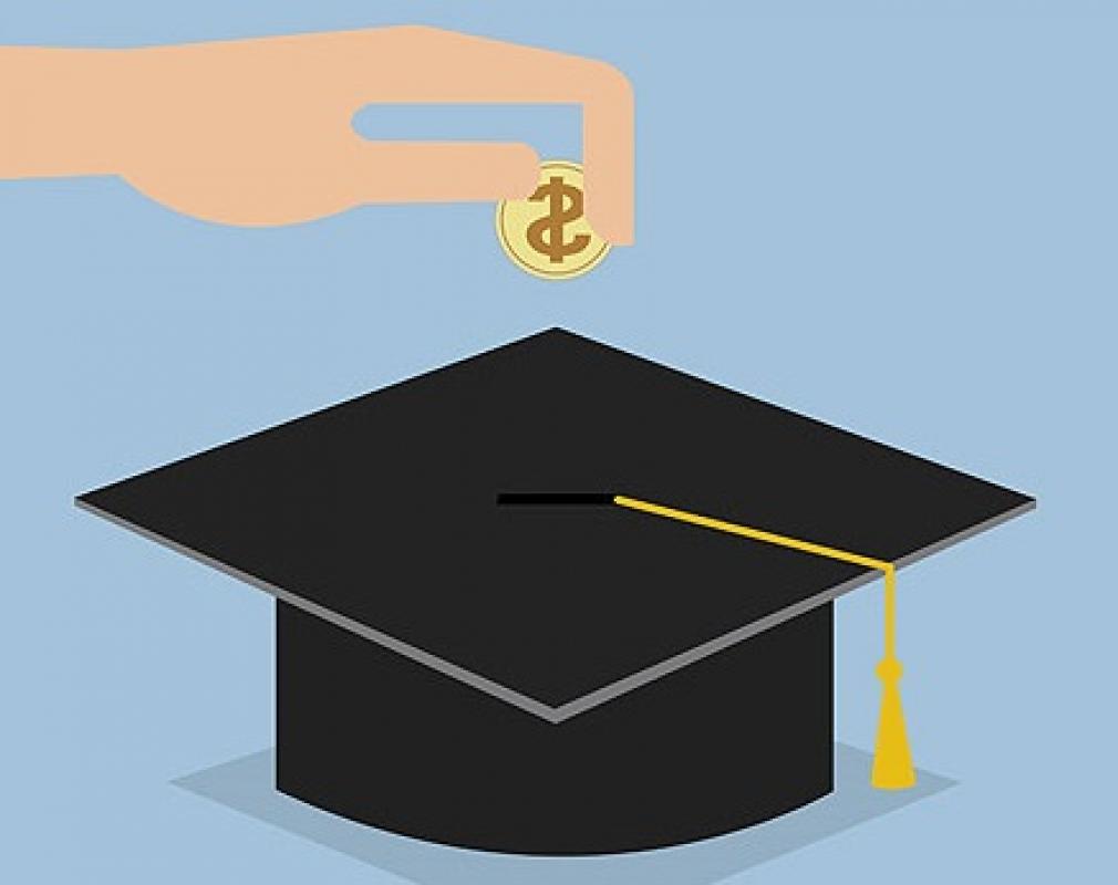 Resultado de imagem para Universidades públicas podem cobrar por curso de especialização